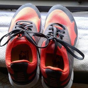 Men's Sneakers(NWOT)